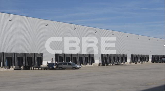 aa_Nave_logistica_Barajas_alquiler_CBRE.PNG
